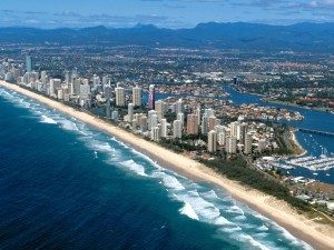 How to Spend a Day in the Gold Coast - To the beach